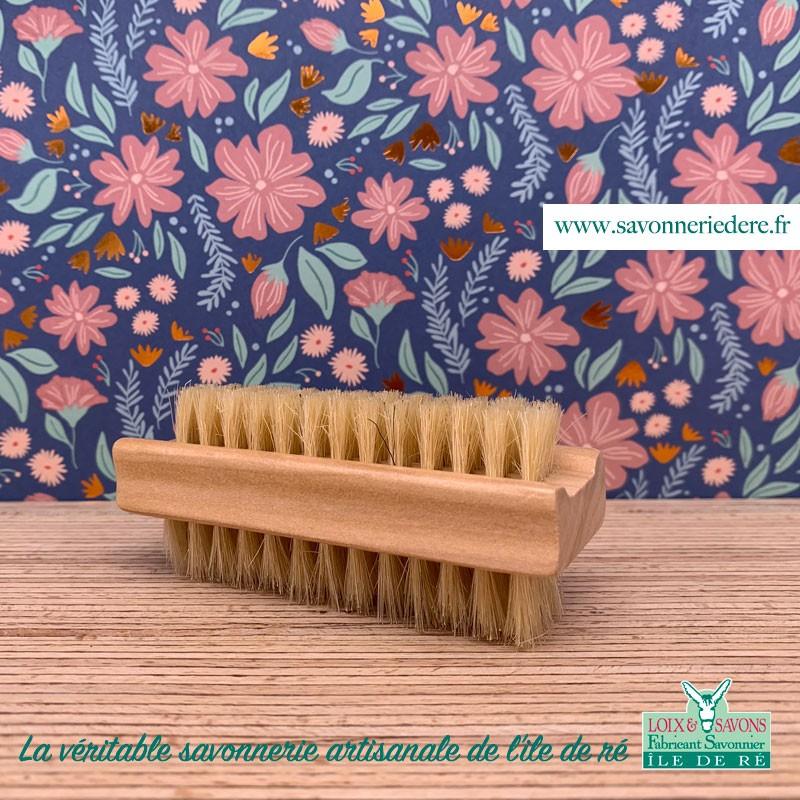 Brosses à ongles bambou double face - Savonnerie artisanale de l'ile de ré